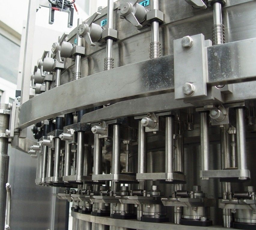 Soda Water Juice Liquid Beverage Carbonated Filling Machine সরবরাহকারী